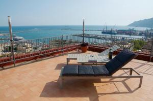 Domina Fluctuum - Penthouse in Salerno Amalfi Coast, Appartamenti  Salerno - big - 35