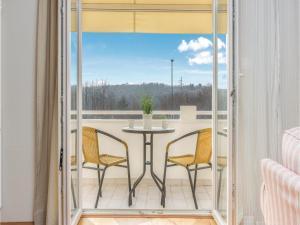 Four-Bedroom Holiday home with Sea View in Porec, Ferienhäuser  Poreč - big - 42