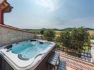 Three-Bedroom Holiday Home in Starici