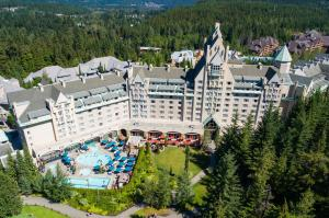 Fairmont Chateau Whistler Hotel - Accommodation - Whistler Blackcomb