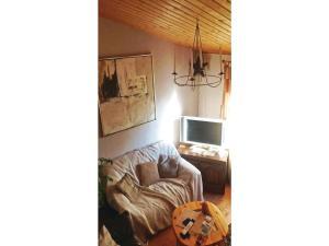Two-Bedroom Holiday home Breidenstein with a Fireplace 04, Prázdninové domy  Breidenstein - big - 4