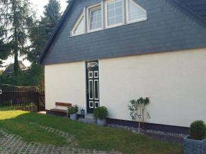 Apartment Wusterhusen *LXXXIX * - Brünzow