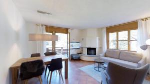 La Planüra 15 - Apartment - Maloja