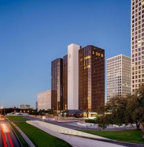 DoubleTree by Hilton Hotel Houston Greenway Plaza - Bellaire Junction