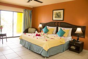 Tropikist Beach Hotel and Resort, Hotels  Crown Point - big - 32