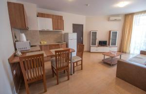 Apollon Apartments, Апартаменты  Несебр - big - 3