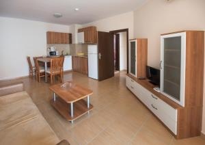 Apollon Apartments, Апартаменты  Несебр - big - 4