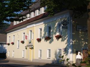 Gasthaus&Pension Schwarzer Graf - Hotel - Windischgarsten