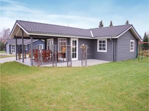 Holiday home Rønde, Holiday homes  Rønde - big - 1