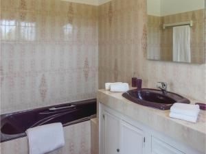 Four-Bedroom Holiday Home in Saze, Case vacanze  Saze - big - 22
