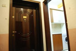 Sina Apartment, Тирана