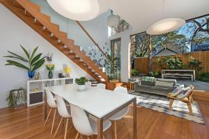 obrázek - Stunning Architectural Family House In Rozelle H332
