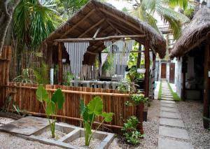 Residencia Gorila, Apartmanhotelek  Tulum - big - 188