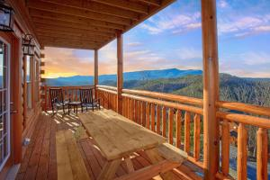 Top Of The World Pool Lodge - Townsend