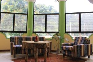 Hotel y Restaurante Eco - Chibulbult, Szállodák  Cobán - big - 36