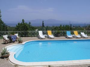 Five-Bedroom Holiday home with Sea View in Melissi Korinthos, Ferienhäuser  Melission - big - 33