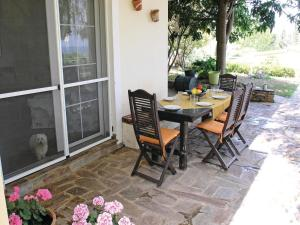 Five-Bedroom Holiday home with Sea View in Melissi Korinthos, Case vacanze  Melission - big - 42