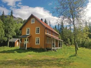 Six-Bedroom Holiday Home in Terrak, Dovolenkové domy  Åbjøra - big - 1