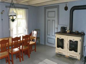 Six-Bedroom Holiday Home in Terrak, Dovolenkové domy  Åbjøra - big - 18