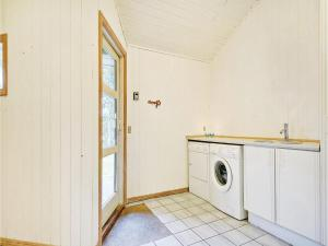 Holiday home Spættevej Vejers Strand II, Prázdninové domy  Vejers Strand - big - 16