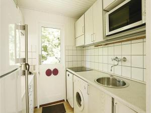 Holiday home Sluseparken Aakirkeby XI, Дома для отпуска  Vester Sømarken - big - 12