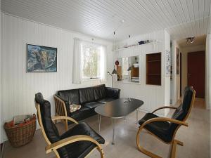 Holiday home Sluseparken Aakirkeby II, Case vacanze  Vester Sømarken - big - 7
