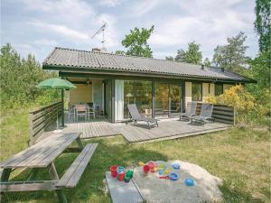 Holiday home Lyngvejen Aakirkeby V, Holiday homes  Vester Sømarken - big - 1