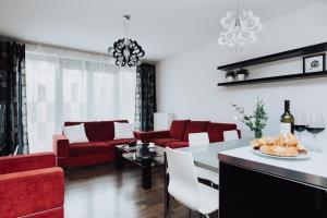 Happy Apartment