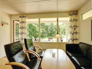 Holiday home Sluseparken Aakirkeby Denm, Dovolenkové domy  Vester Sømarken - big - 5
