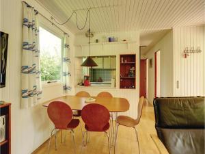 Holiday home Sluseparken Aakirkeby Denm, Holiday homes  Vester Sømarken - big - 14