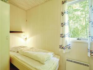 Holiday home Sluseparken Aakirkeby Denm, Dovolenkové domy  Vester Sømarken - big - 8