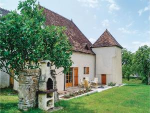 Four-Bedroom Holiday Home in Mary - Sigy-le-Châtel
