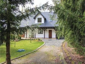Three-Bedroom Holiday Home in Kolczewo
