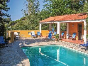 Two-Bedroom Holiday Home in Colares, Sintra