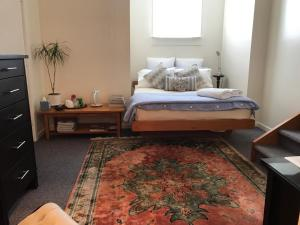 Private, comfortable studio. - Hotel - Wellington