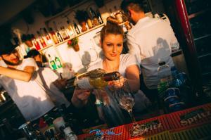 Pura Vida Sky Bar & Hostel, Hostelek  Bukarest - big - 13
