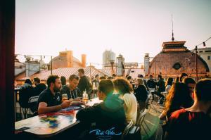 Pura Vida Sky Bar & Hostel, Hostelek  Bukarest - big - 36
