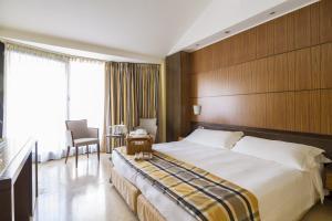 Hotel Carrobbio - AbcAlberghi.com