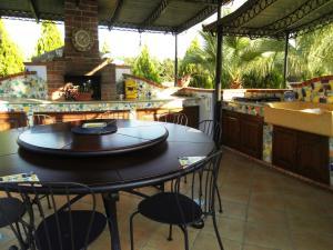 Villa Azolata B&B, Bed and Breakfasts  Partinico - big - 11