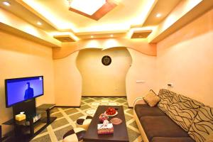 Cozy Three Rooms Republic Square in Center Yerevan, Apartments  Yerevan - big - 11