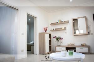 Myr Apartment