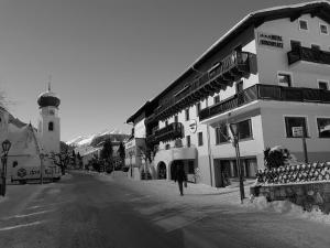 Hotel Pension Kirchplatz - St. Anton am Arlberg
