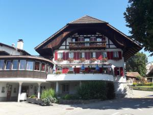 Hotel Bären Bern-Neuenegg