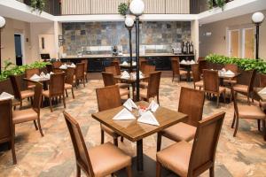 Best Western PLUS Monterrey Airport, Hotels  Monterrey - big - 29