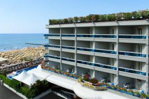 Hotel Cavalieri Palace - AbcAlberghi.com