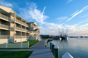 Hampton Inn & Suites Chincoteague-Waterfront, Va
