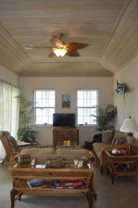 Cutter's Landing-Four Bedroom Villa Living Easy Abaco Vacation Rentals
