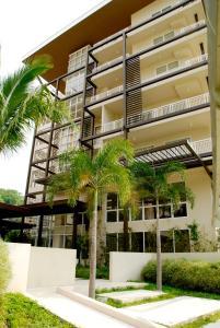 Pico de Loro - Vacation Homes, Apartmány  Nasugbu - big - 14