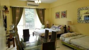 Pico de Loro - Vacation Homes, Apartmány  Nasugbu - big - 22