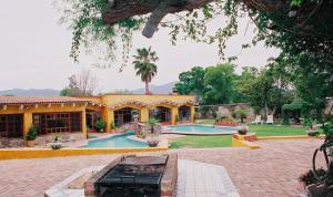 Quinta Cobos, Homestays  Tequisquiapan - big - 1